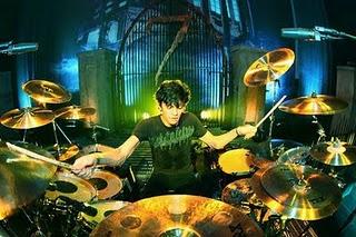 Drummer apapun tetap keren